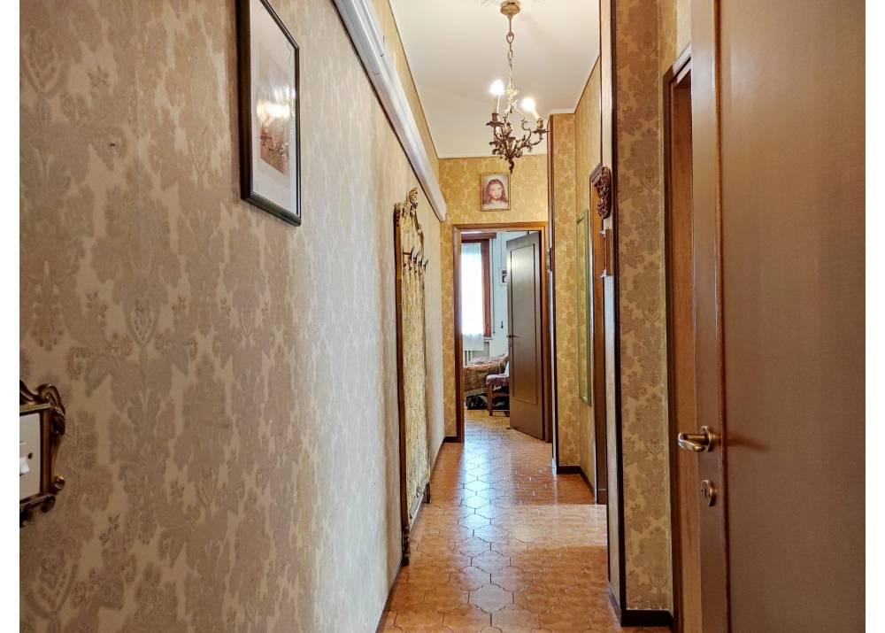 Vendita Appartamento a Parma quadrilocale Int. Via Casa Bianca di 120 mq