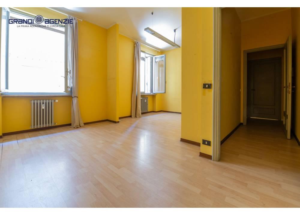 Vendita Ufficio a Parma bilocale Centro Storico di 85 mq