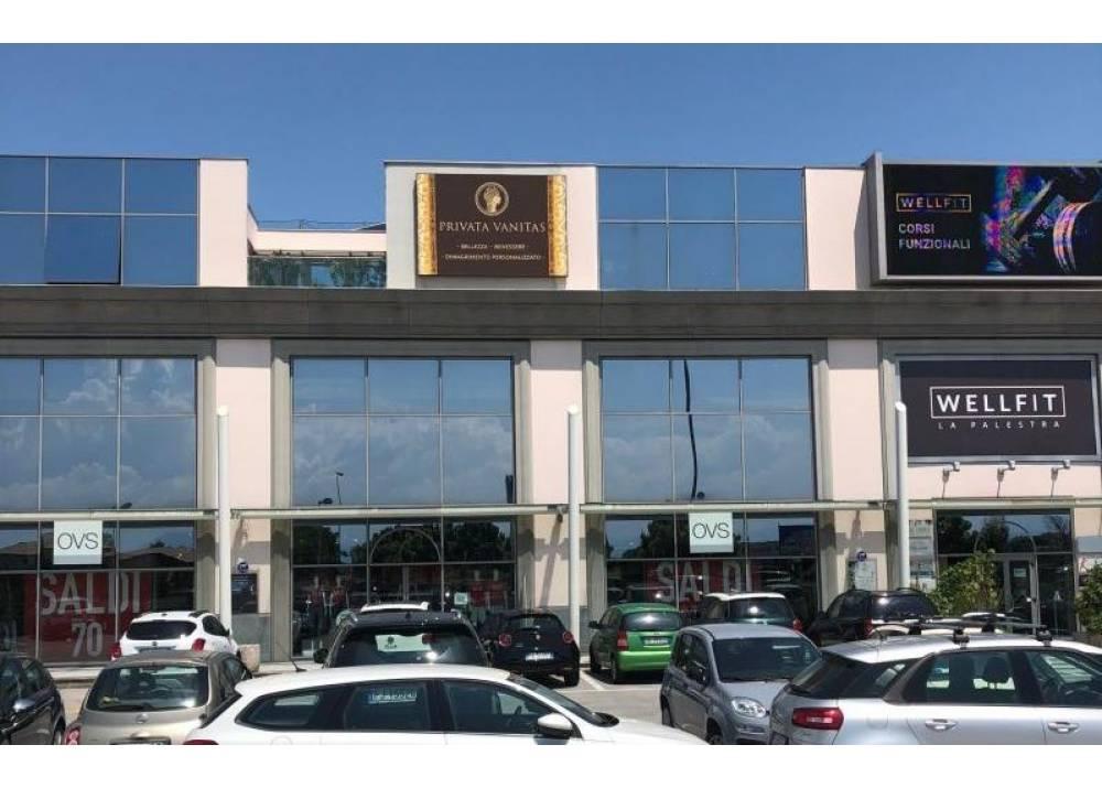 Affitto Locale Commerciale a Parma monolocale San Lazzaro di 150 mq