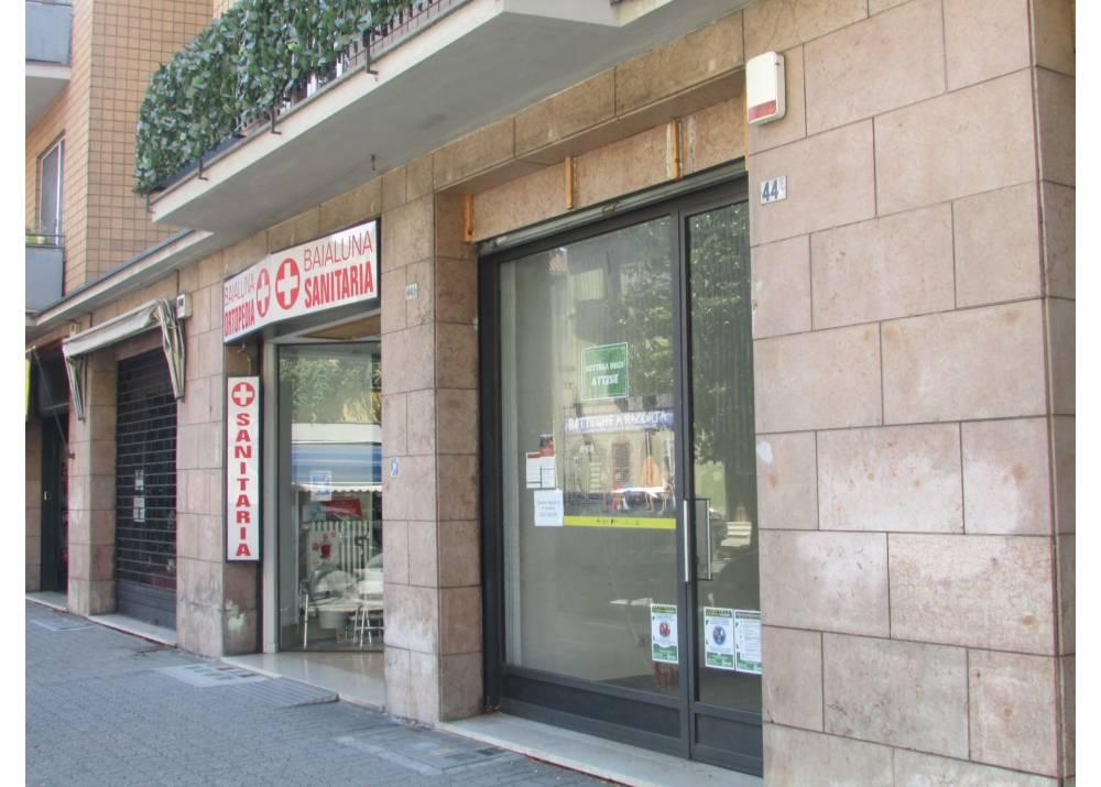 Vendita Negozio a Parma monolocale  di 100 mq