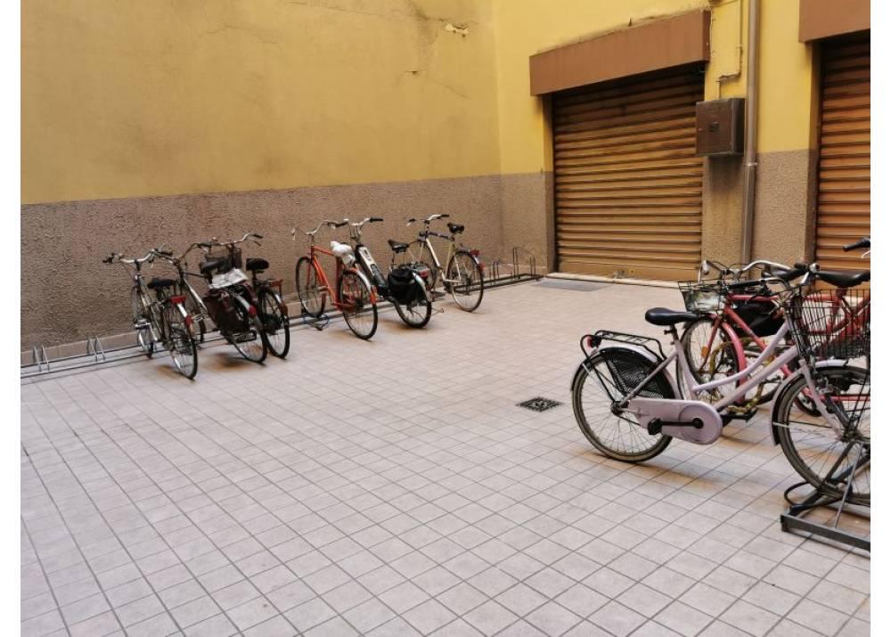 Affitto Ufficio a Parma monolocale Centro Storico di 105 mq