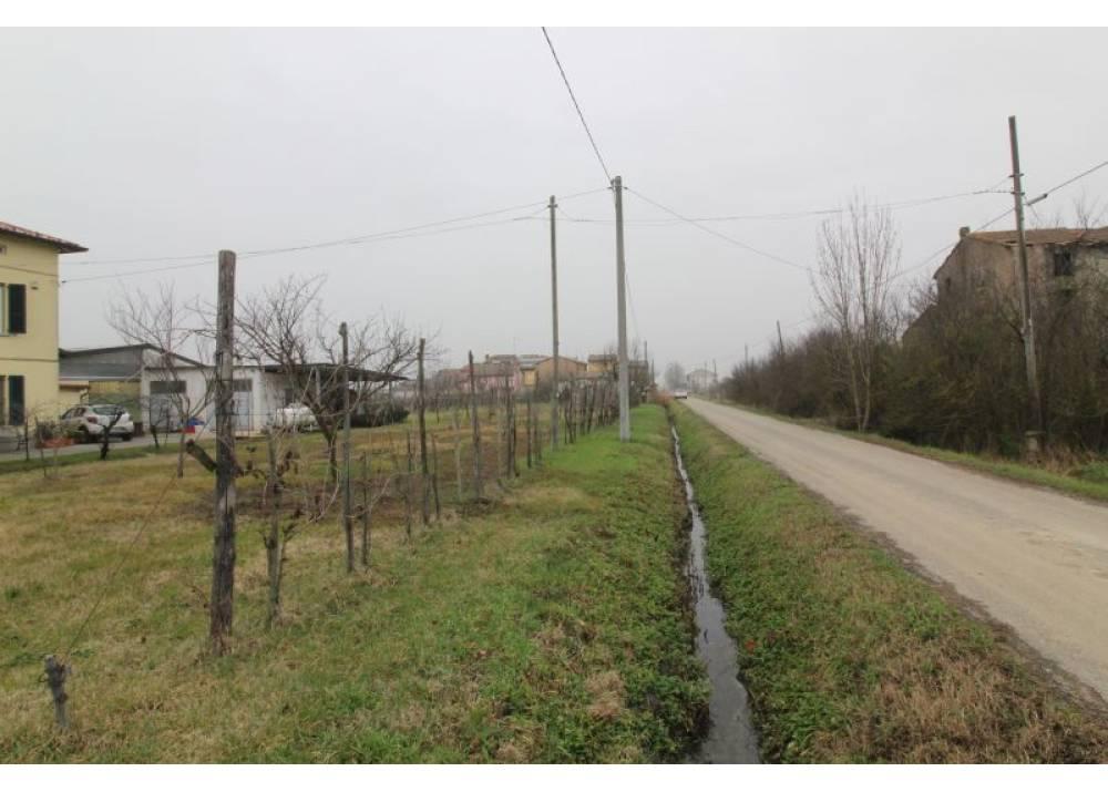 Vendita Rustico a Parma trilocale  di 90 mq