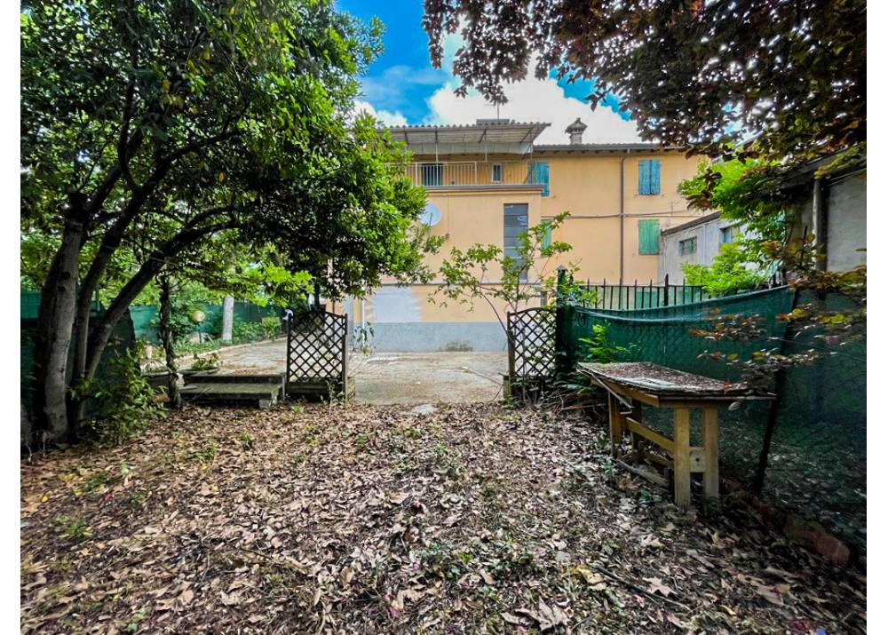 Vendita  a Parma monolocale  di 784 mq