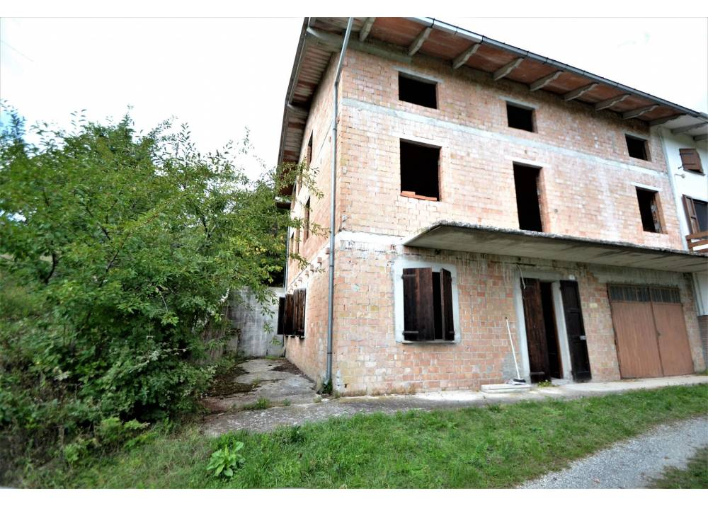 Vendita Villetta a schiera a Palanzano monolocale  di 240 mq