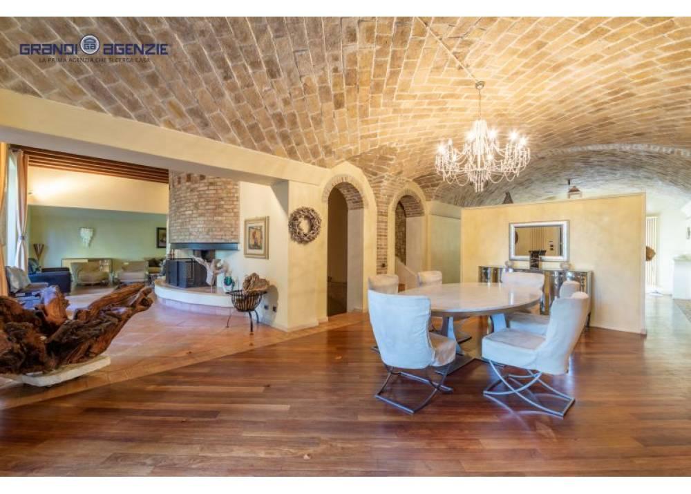 Vendita Villa a Collecchio trilocale Vigheffio di 350 mq