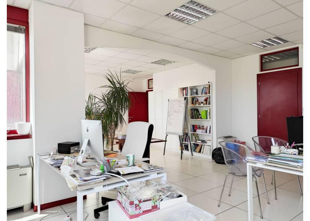 Affitto Ufficio a Parma monolocale ex Salamini di 132 mq