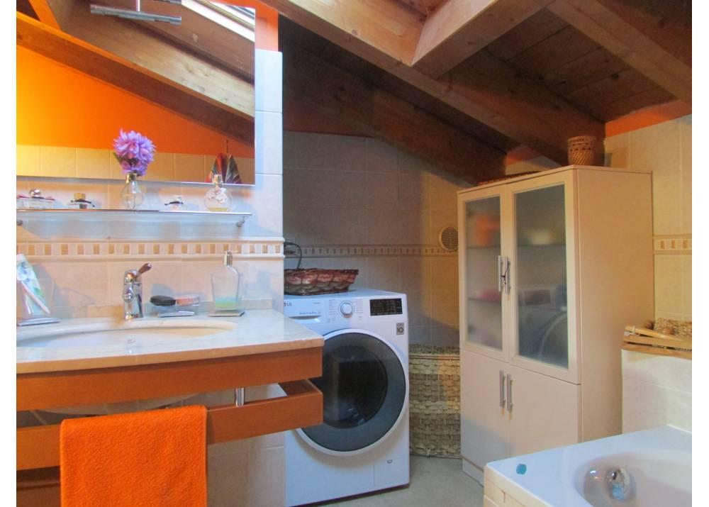 Vendita Appartamento a Parma quadrilocale  di 180 mq